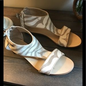 Calvin Klein Linen Leather print sandals 7 1/2M